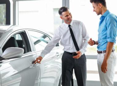 10 lầm tưởng phổ biến nhất khi mua xe ô tô