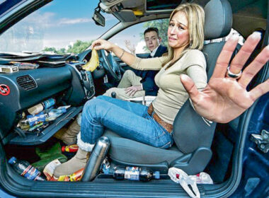 """7 vị trí """"siêu bẩn"""" trên xe ô tô thường bị lãng quên"""