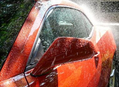 Hướng dẫn tự rửa xe ô tô đúng cách tại nhà