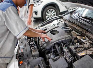 Hướng dẫn tự vệ sinh khoang động cơ ô tô sạch bóng, không tốn tiền ra gara