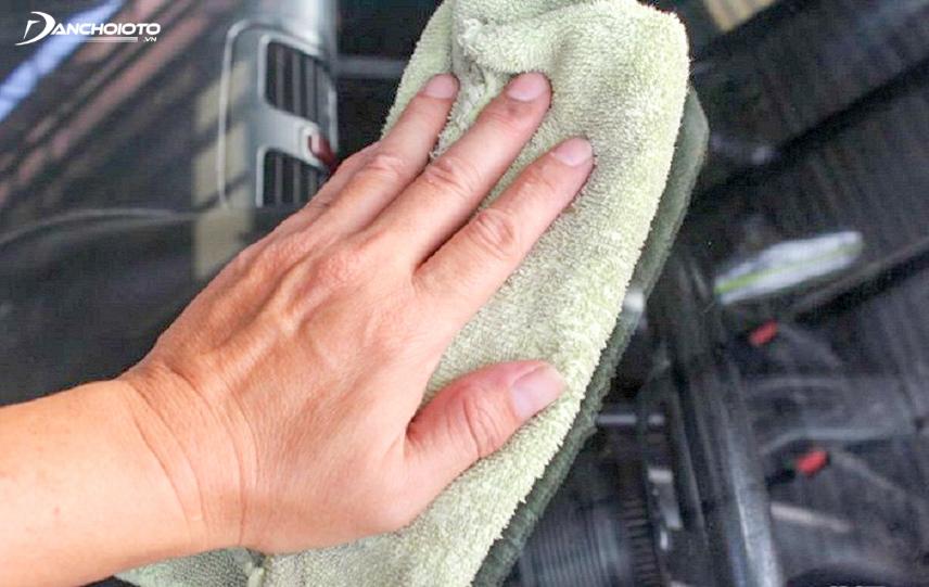 Làm vệ sinh sạch sẽ trước khi lắp thiết bị mới