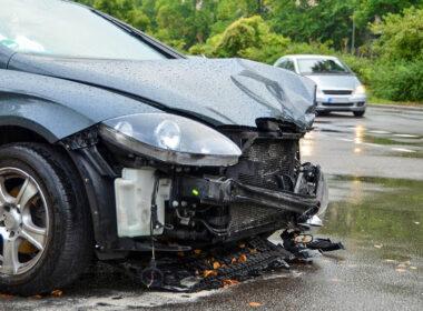 Những hiểm hoạ khôn lường khi gạt mưa ô tô bị xuống cấp