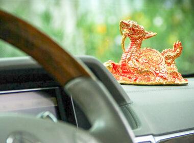 Những vật dụng cấm kỵ trên xe ô tô nên tránh tuyệt đối