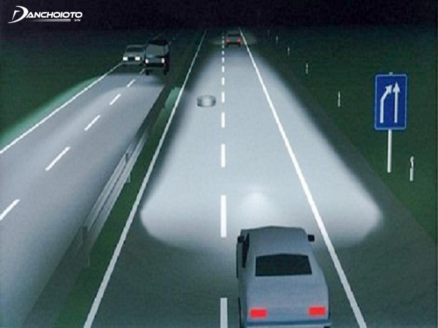 Sử dụng đèn pha xe ô tô trên đường cao tốc