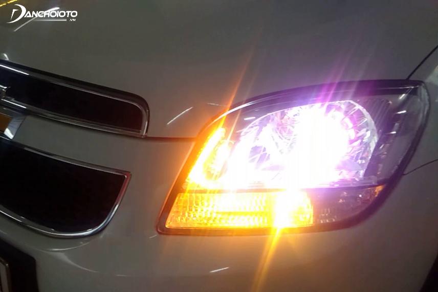 Thường xuyên kiểm tra hệ thống đèn trên ô tô