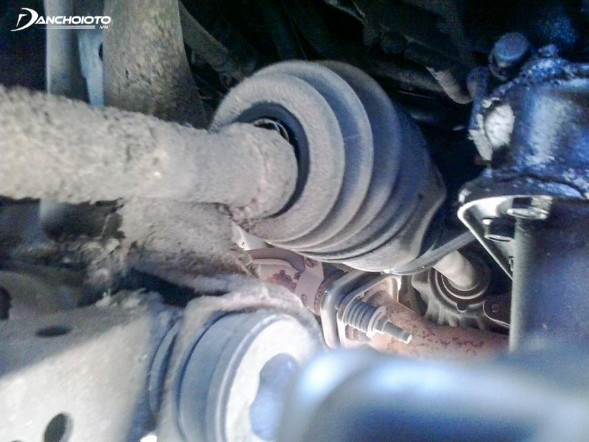 Xe bị rung do lỗi trục các-đăng của xe