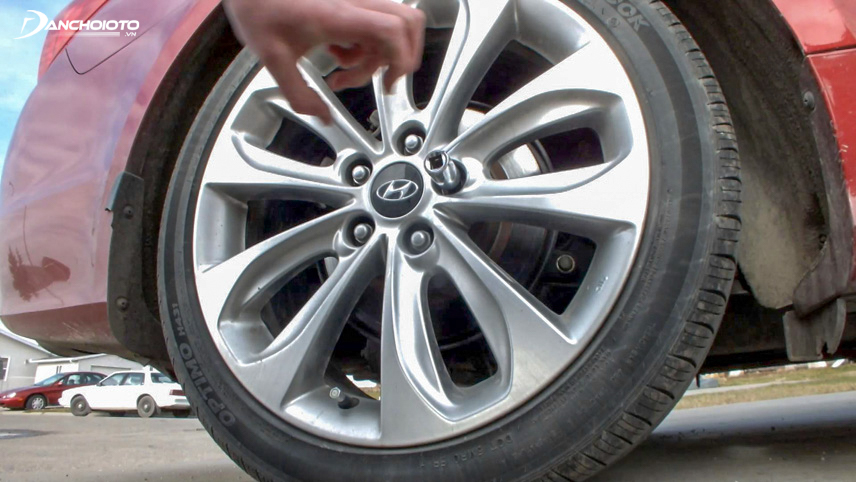 Xe rung do lốp có vấn đề