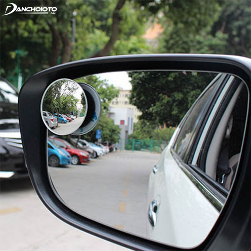 Round mirror is said to be the most suitable option