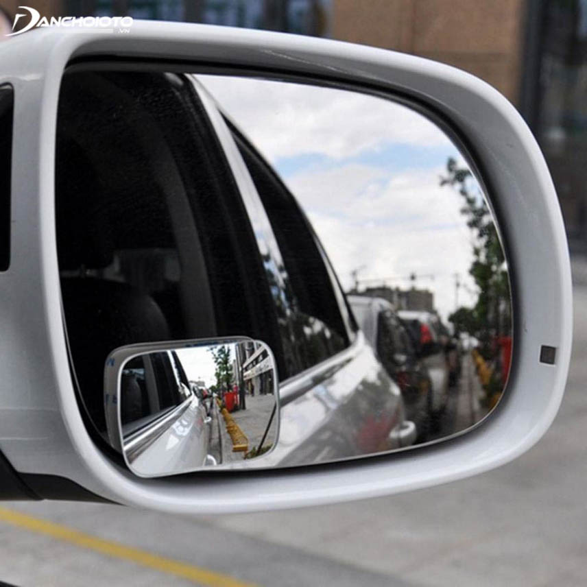 Square mirror mirror with 7-seat cars