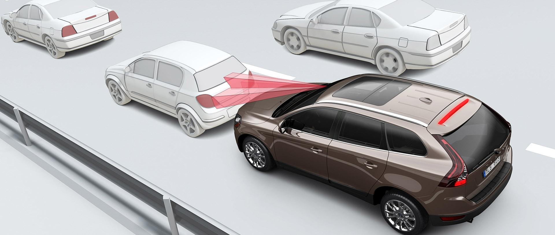 Khi mua xe ô tô, nên quan tâm những tính năng an toàn nào?