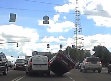 Hãy nhớ đến tính mạng bản thân trước khi chủ quan khi tham gia giao thông