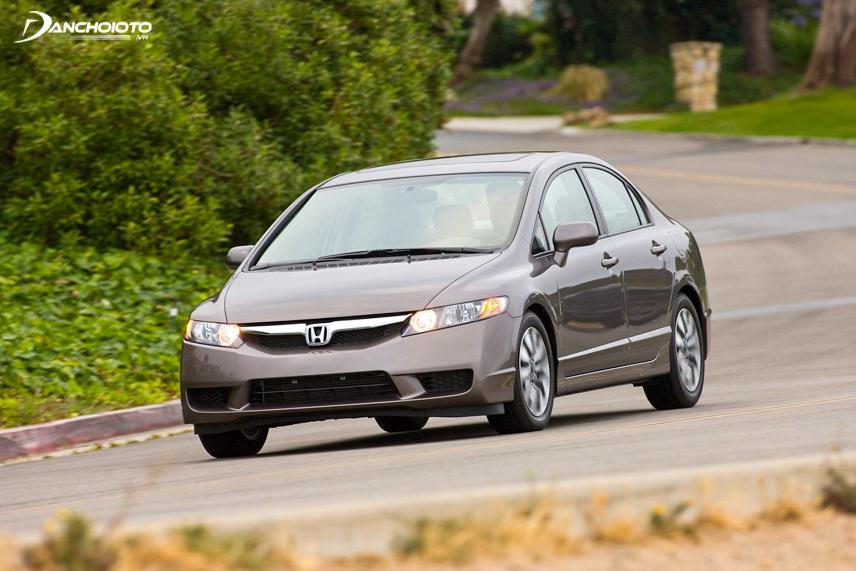 Honda Civic có tính năng an toàn cao và động cơ bền bỉ