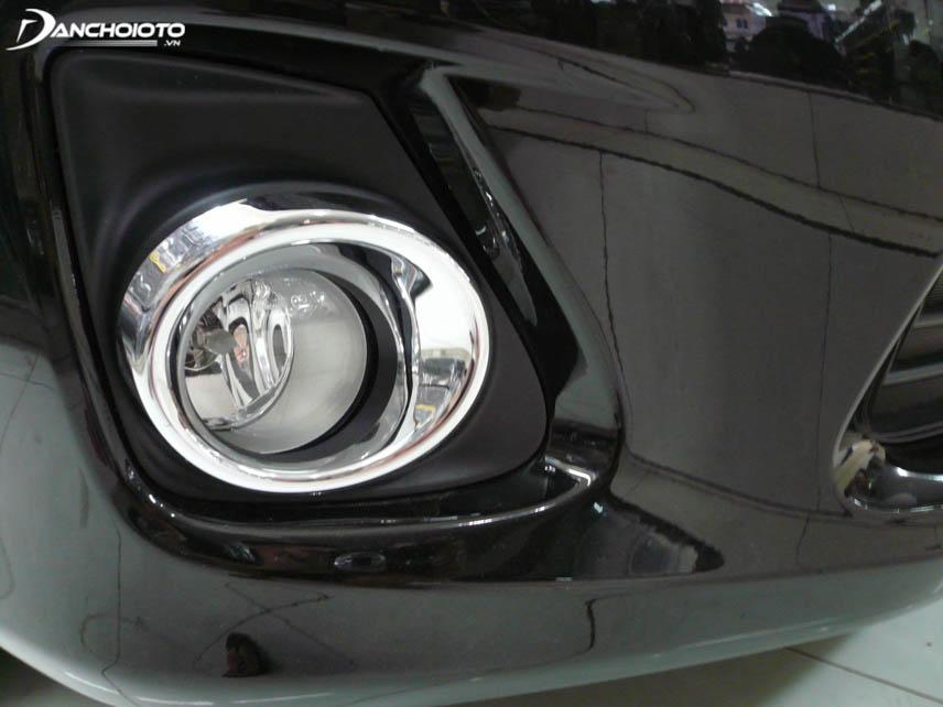 Should choose a standard car fog lamp