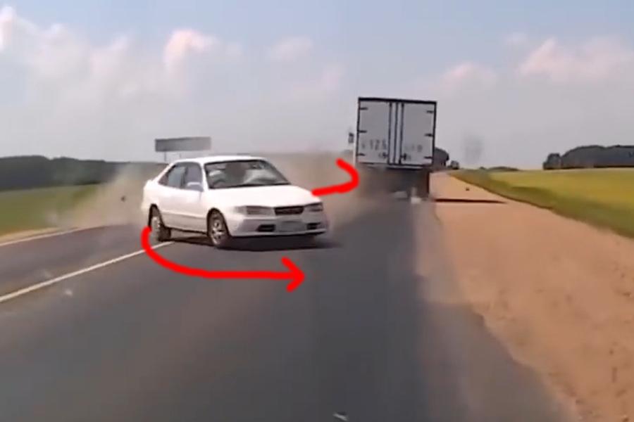 """Vượt qua """"thần chết"""" trong khoảnh khắc khi tham gia giao thông"""