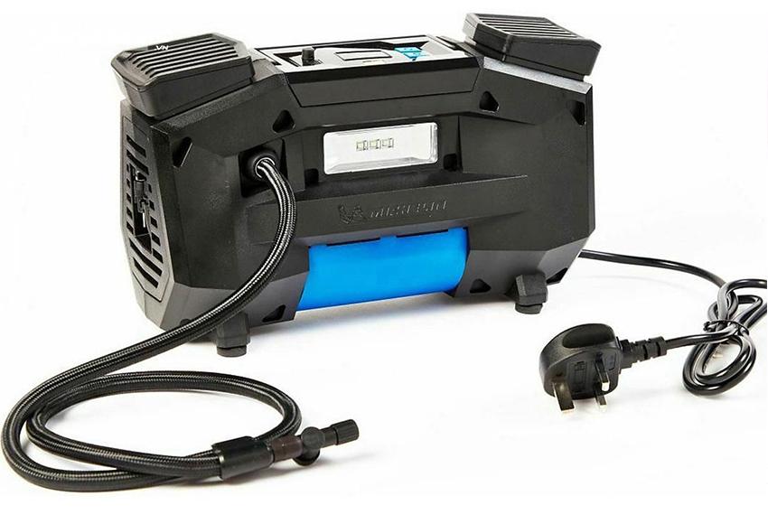 Máy nén khí mini ô tô 220V cần bộ chuyển nguồn nếu xe không có ổ 220V