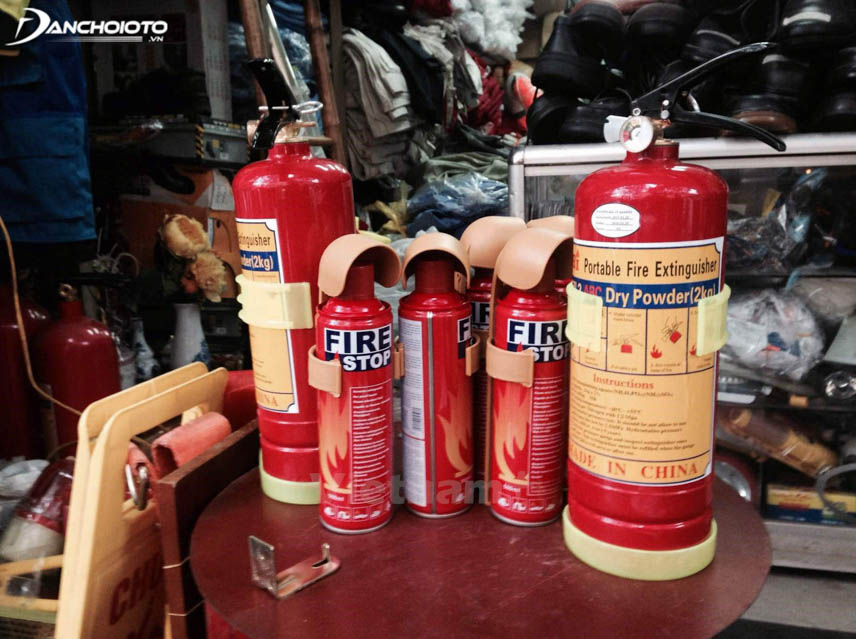 Fire extinguishers are an indispensable item in cars