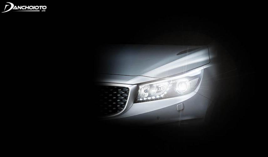 Cảm biến tự động bật đèn ô tô giúp lái xe yên tâm và tập trung lái xe hơn