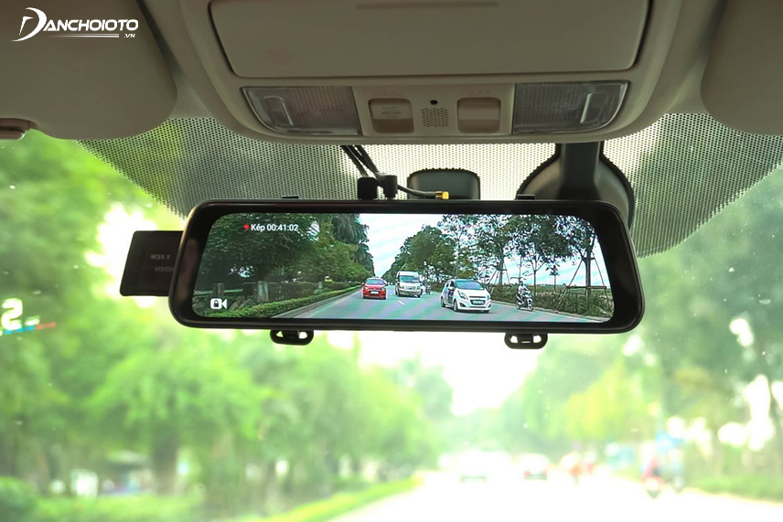 Webvision dashcam has a high price but good image quality