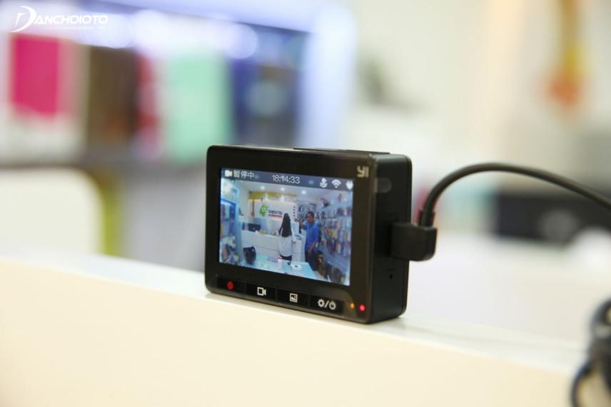 Camera hành trình Xiaomi có giá khá rẻ