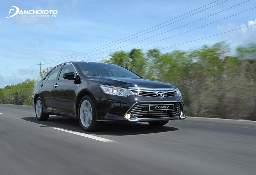 Chạy thử xe sẽ giúp đưa ra những nhận định chính xác về tình trạng xe Toyota Camry cũ