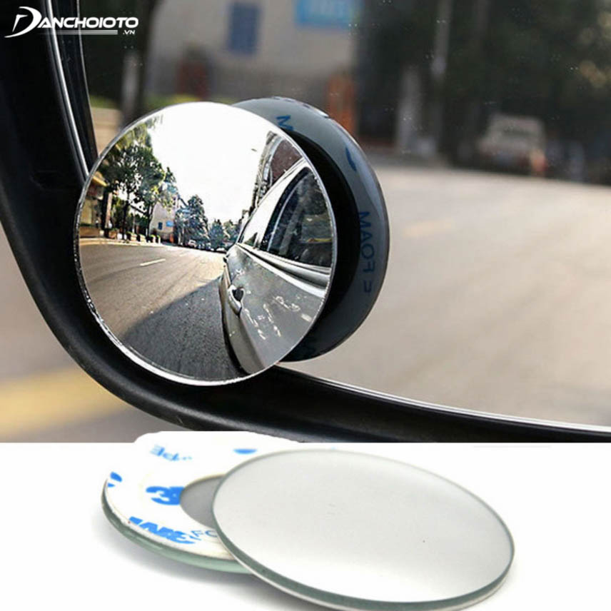 Convex mirror eliminates blind spots - an indispensable safety device for cars