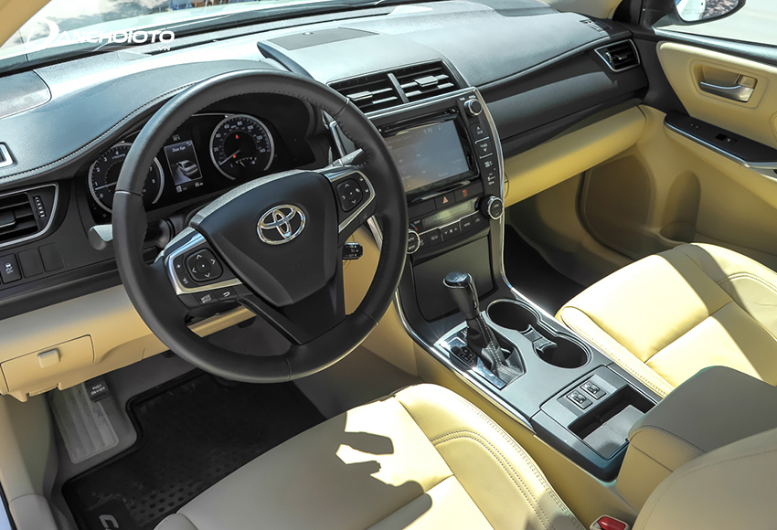 Nội thất Toyota Camry 2015