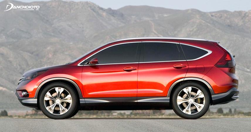 Phần đuôi lồi khiến tổng thể chiếc xe CR-V chưa thực sự hài hòa