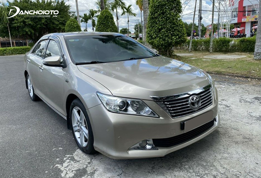 Xe Toyota Camry 2013