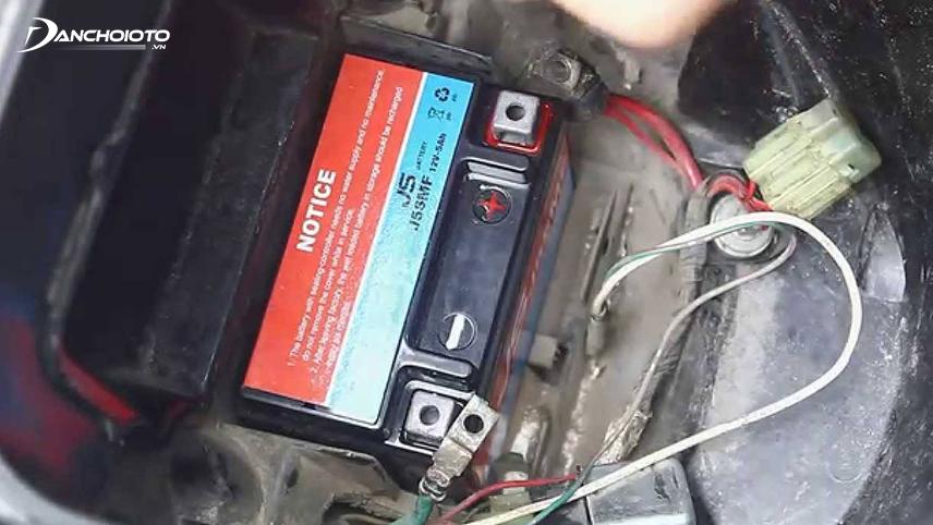 Damaged batteries emit a sulfur odor