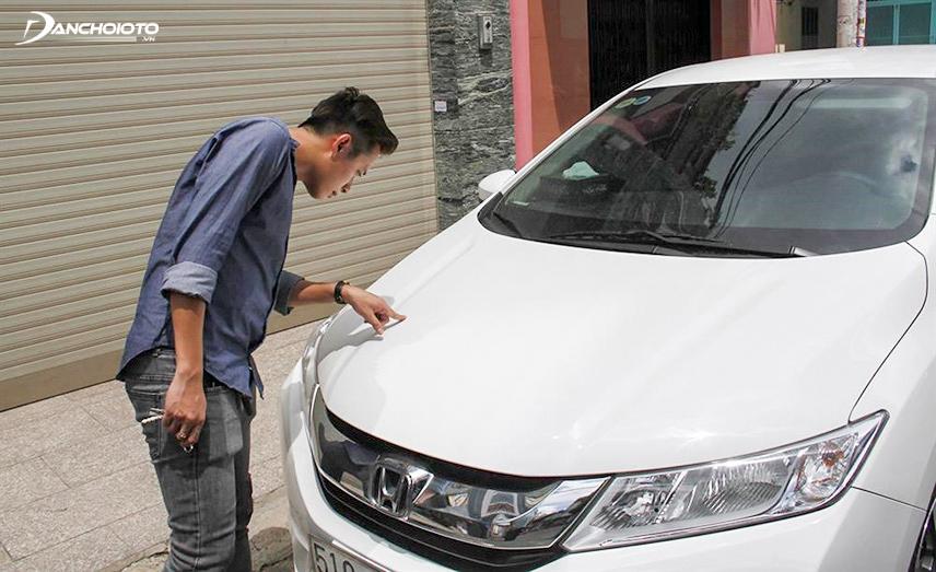 Nắp capo rung chứng tỏ xe gặp vấn đề