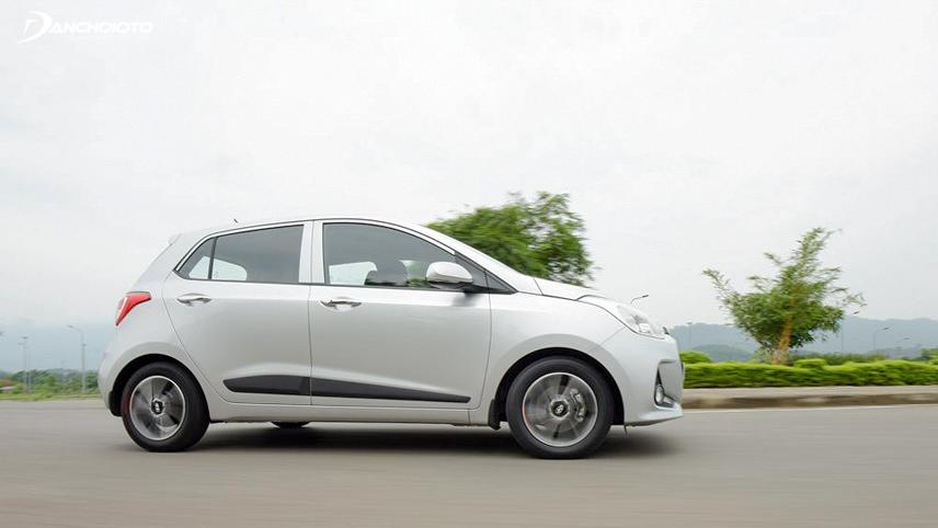 Bản hatchback được đánh giá có khả năng vận hành đầm chắc và linh hoạt hơn