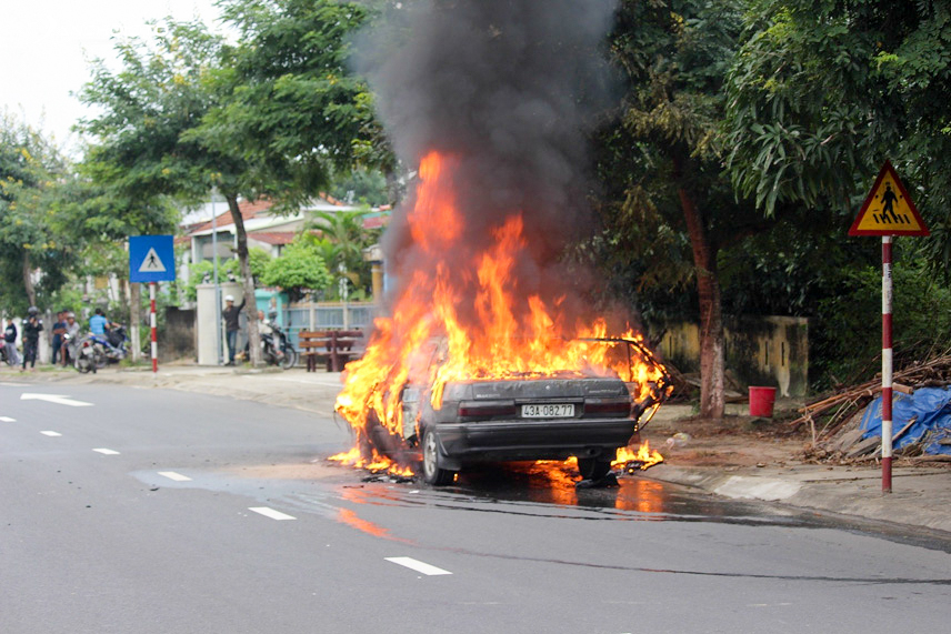 Car fire causes loss of life and property