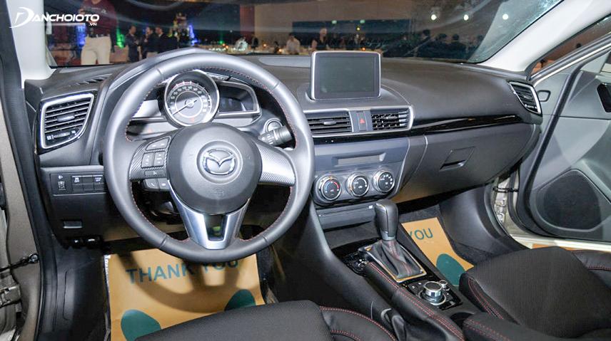 Chiếc xe sở hữu đầy đủ tính năng an toàn