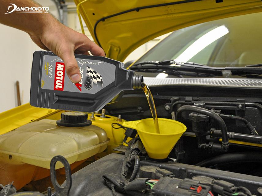 Dầu máy đóng vai trò rất quan trọng đối với xe ô tô