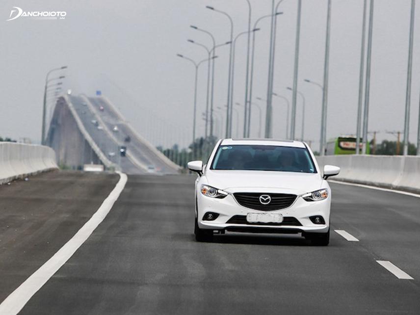 Động cơ bản Mazda 6 2.0L hơi yếu