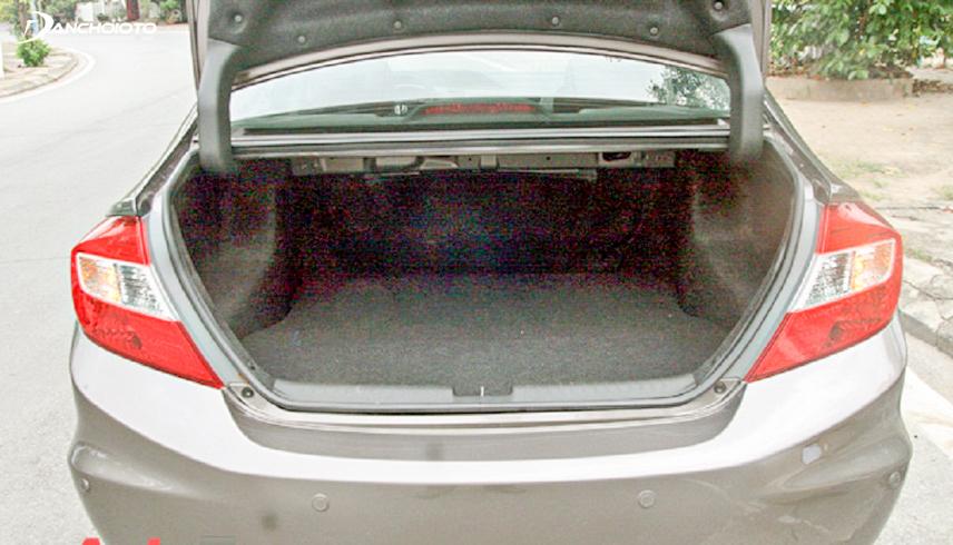 Khoang hành lý khá rộng của Honda Civic