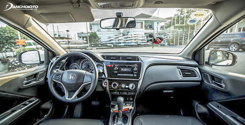 Khu vực bảng điều khiển của xe Honda City 2015