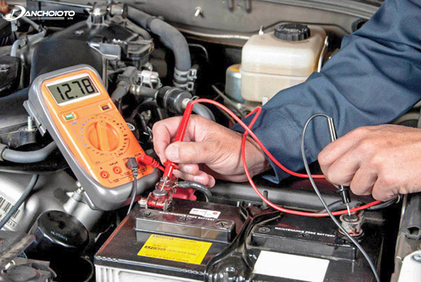 Check the battery terminals when the car is difficult to start