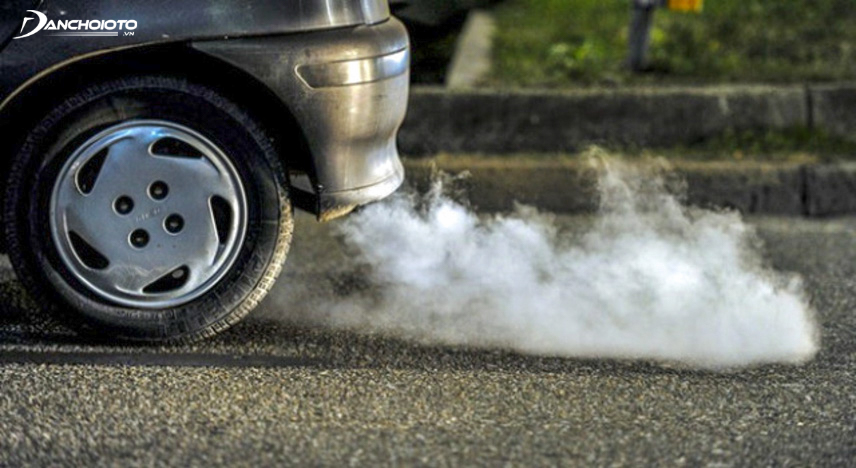 If your vehicle's exhaust has an antifreeze smell, check the cooling system