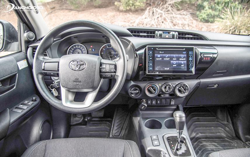 Nhiều tùy chọn trang bị về tính năng giải trí được Toyota áp dụng cho mẫu xe Hilux 2018