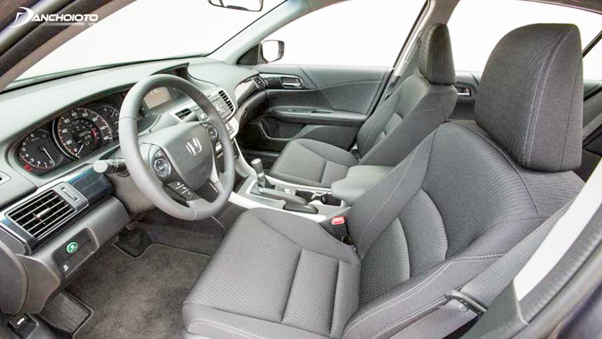 Nội thất xe Honda Accord 2013