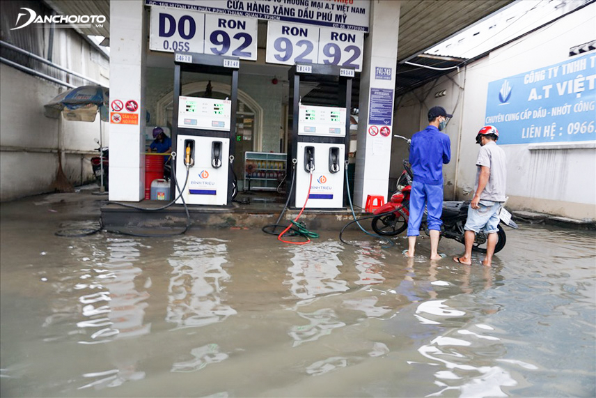 Flooded gas stations are the main cause of water contamination