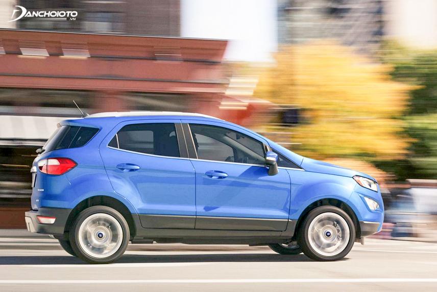 Xe trang bị loại động cơ chạy bằng xăng tăng áp loại 1.0L Ecoboost
