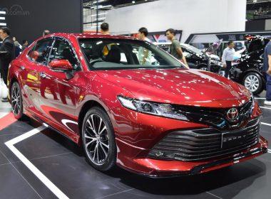 Có nên mua xe Toyota Camry không?