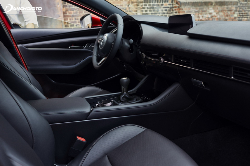 """Diện mạo cabin Mazda 3 2019 """"trưởng thành"""" hơn rất nhiều so với thế hệ cũ"""