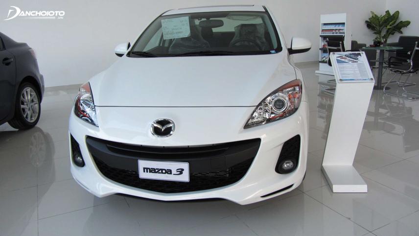 Mazda 2012 có thiết kế đặc trưng với đầu xe giống hình mặt cười