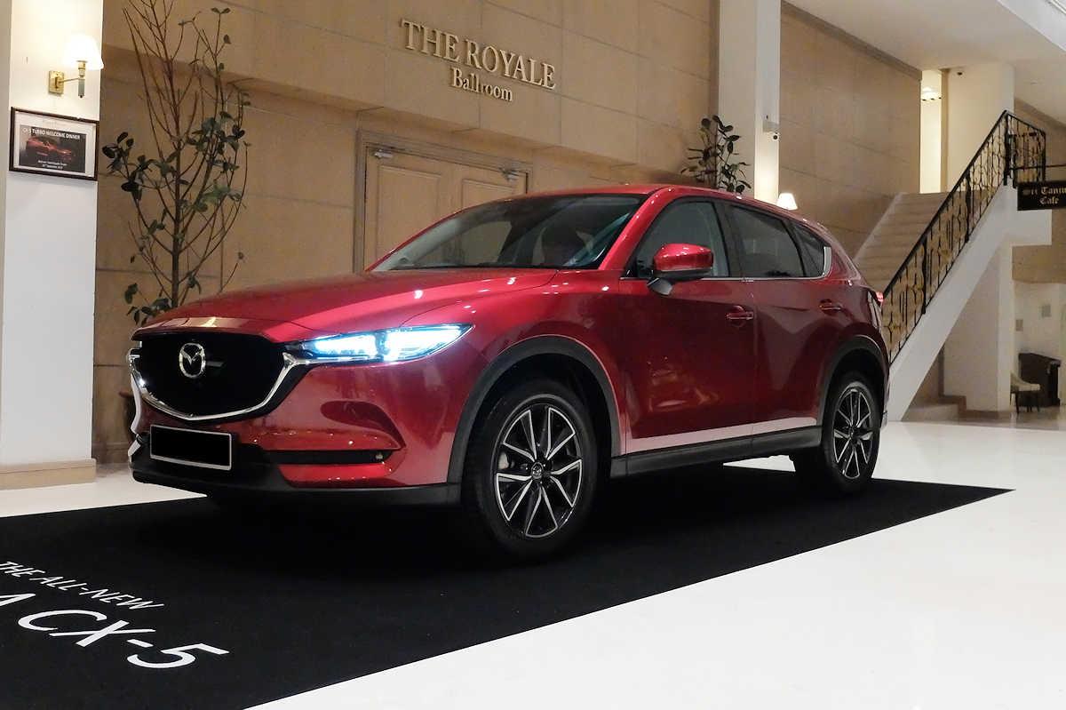 Mazda CX-5 có thế mạnh thiết kế thời trang trẻ trung, giá bán hấp dẫn
