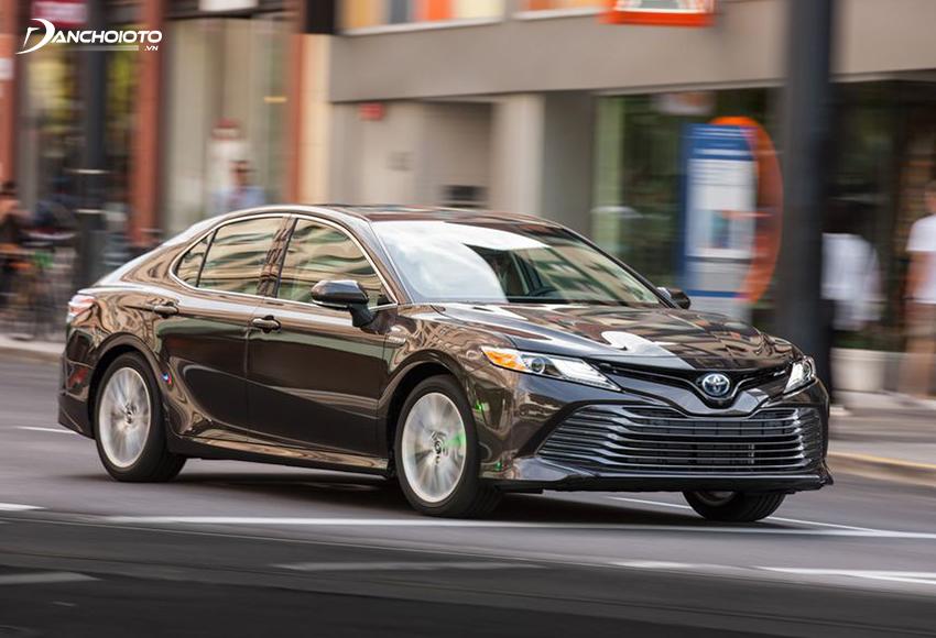 Toyota Camry êm hơn, vững hơn, ổn định hơn