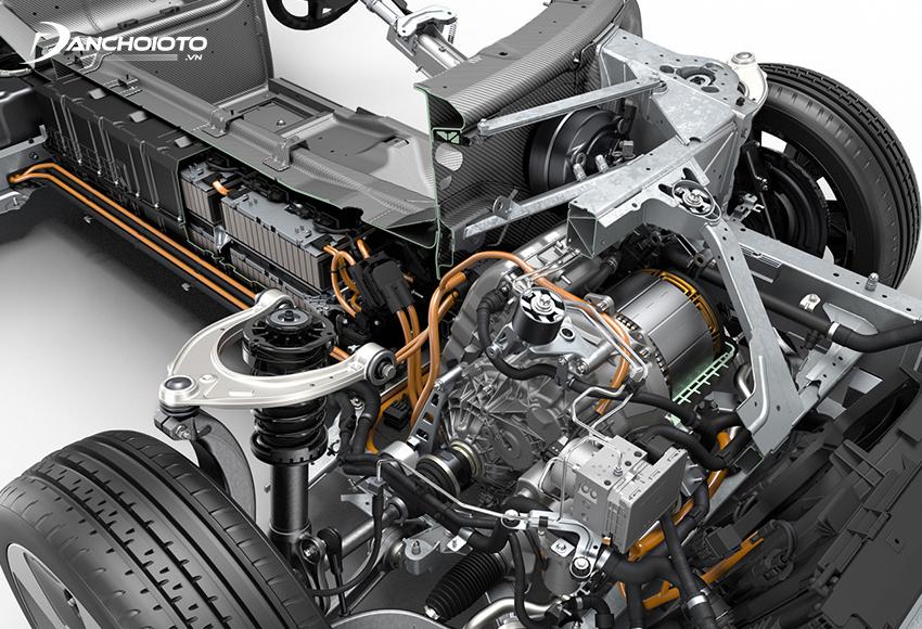 BMW i8 được trang bị hệ thống động cơ hybrid bao gồm động cơ điện và động cơ xăng