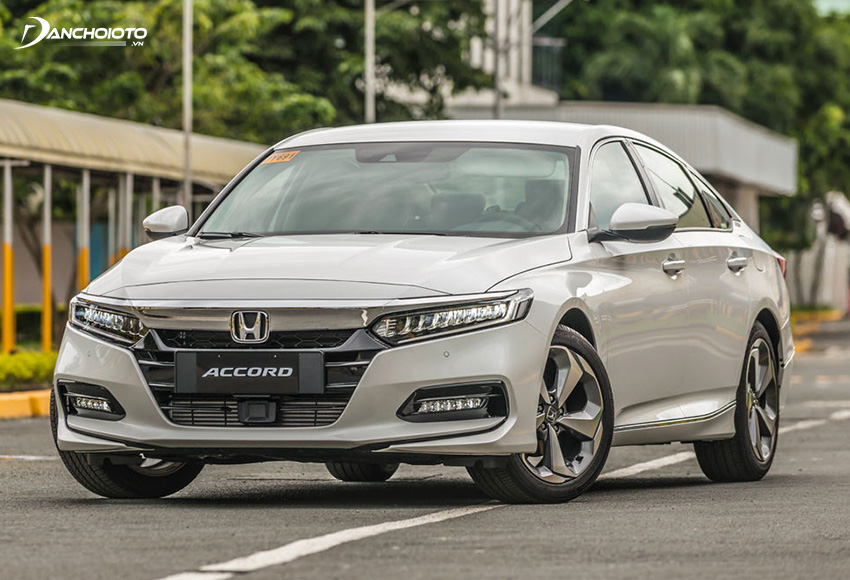 Cản trước Accord 2020 cắt ngang vuông vức tăng thêm phần nam tính cho thiết kế đầu xe